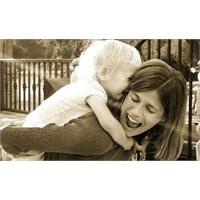 Mutlu Çocuklar Yetiştirmek Ebeveynlerin Elinde!