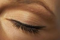 Eyeliner'i En Kolay Sürme Tekniği
