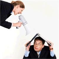 Yetersiz Bir Yönetici İle Nasıl Geçinebilirsiniz ?