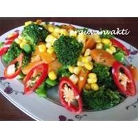 Enfes Brokoli Salatasi