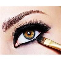 Simsiyah Eyeliner