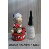 Flormar Matte M01 Beyaz Oje - Moustache Nails
