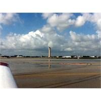 Arı Kovanına Seyahat: Miami İnternational Uçuşum