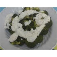 Tahinli Yoğurtlu Brokoli Salatası..