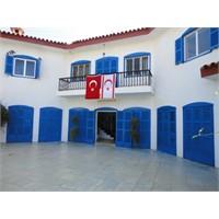 Kıbrıs - Mavi Köşkün Hikayesi ....