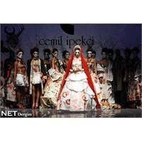 Cemil İpekçi'nin kağıttan elbiseleri