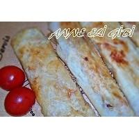 Sucuklu, Kaşar Peynirli Paçanga Böreği