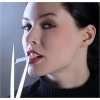 Sigara Göğüslerde Sarkmaya Neden Oluyor!