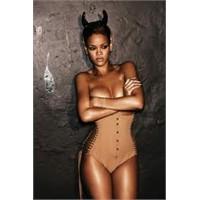 """Rihanna """"Beş Faktör"""" Diyeti İle Nasıl Zayıfladı"""
