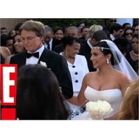 İşte Kim Kardashian'ın Gelinliği...