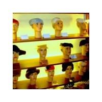 Şapkasız Çıkamayanlara Şapka Müzesi Ve Hatıralar