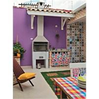 Rengarenk Bir Ev