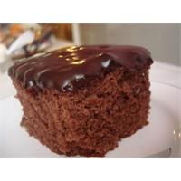 Çikolata Soslu Gofretli Kek