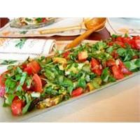 Lezzetli Yaz Salatası