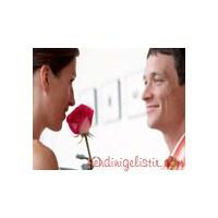Sevgiline Önce Çiçeği Yolla, Nedenini Sonra Bul!