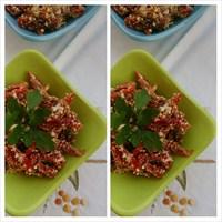 Çökelikli Kurutulmuş Domates Salatası