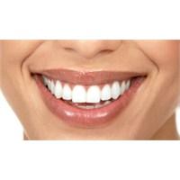 Meyve İle Doğal Diş Beyazlatma