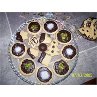 Bademli Çikolatali Kurabiyeler