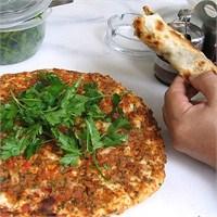 """Türk Sokak Yiyecekleri """" Lahmacun """""""