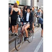 İlham #3 Chicks On Bikes