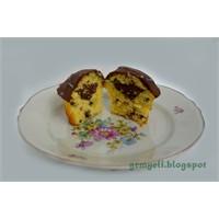 Çikolata Damlalı Vanilyalı Kap Kek (Cup Cake)