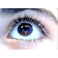Baş Ağrınızın Nedeni Göz Kapaklarınız Olabilir