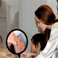 Nişan Yüzüklerinde Yeni Trend: Jolie Stili