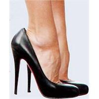 Topuklu Ayakkabılar Türk Kadınına Uygun Değil