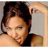 Angelina Jolie'nin Güzellik Sırrı