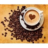 Kavanoz Ve İki Fincan Kahve