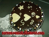 Çikolatalı Kalpli Kek
