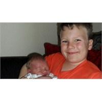 5 Yaşındaki Joby Kardeşinin Hayatını Kurtardı
