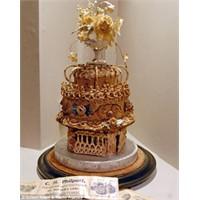 Dünyanın En Eski Pastası Sizce Kaç Yaşında?