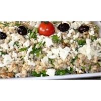 Cevizli Tulum Peynirli Buğday Salatası