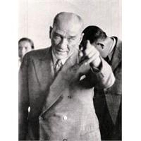 Evet Atatürk Rakı İçerdi, Ama...