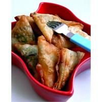 Pazılı Kaşarlı Mısır Unlu Muska Böreği.