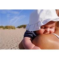 Bebek İçin Güneş Kremi Seçimi