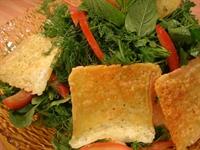 Peynirli Tavuk Salatası