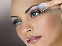 Göz Makyajını Temizlerken Dikkat Edilecek Noktalar