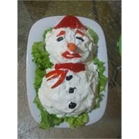 Kardan Adam Şeklinde Makarna Salatası