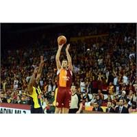 Galatasaray'ın Yıldız Oyuncusu 3 Ay Yok!