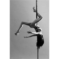 Kadınların Yeni Gözdesi: Pole Dance (Direk Dansı)