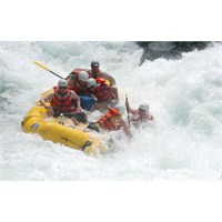 Nehir Dalgalarıyla Savaş, Rafting