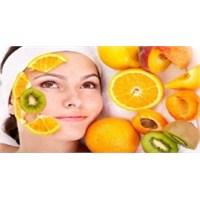 Meyvelerle Cilt Bakımı Nasıl Yapılır