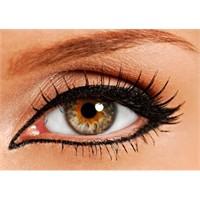 2011 Göz Makyaji Modasi – Gözler Yeniden Büyüyor!