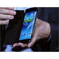 Samsung'un Kıvrık Ekranlı Telefon Çıkarma Girişimi