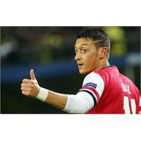Mesut Özil Almanya'da Yılın Oyuncusu Seçildi