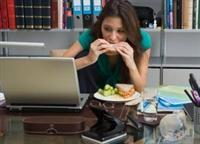 Aşırı Yemek Yememizin 5 Ciddi Sebebi