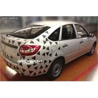 Renault Symbol Liftback Ve Lada Granta Liftback