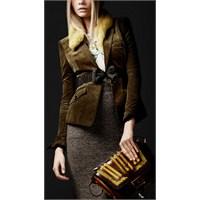 Burberry Mağazalarından Bayan Ceket Kombini